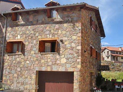 TURISMO VERDE HUESCA. Casa Castell